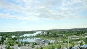 Les environs de Yellowknife, vus de l'hôtel.
