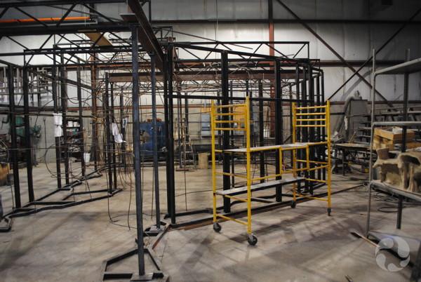 La structure d'acier dans l'atelier de RCI.