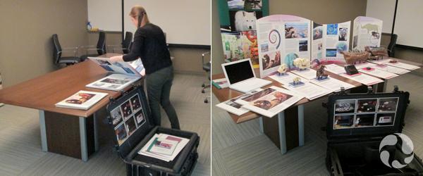 Collage : une femme dispose le matériel d'une exposition-mallette sur une table (à gauche) tandis que la photo suivante montre tout le matériel disposé sur la table.