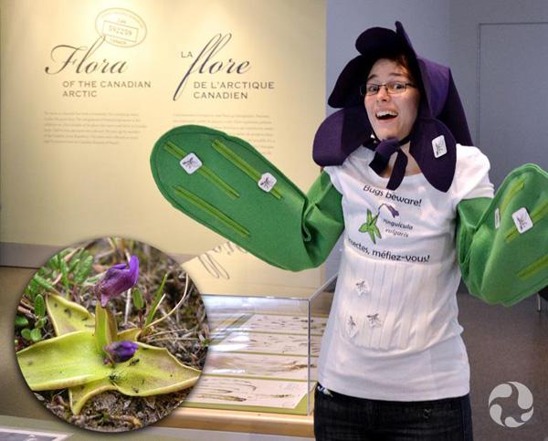 Une femme dans un costume de plante.