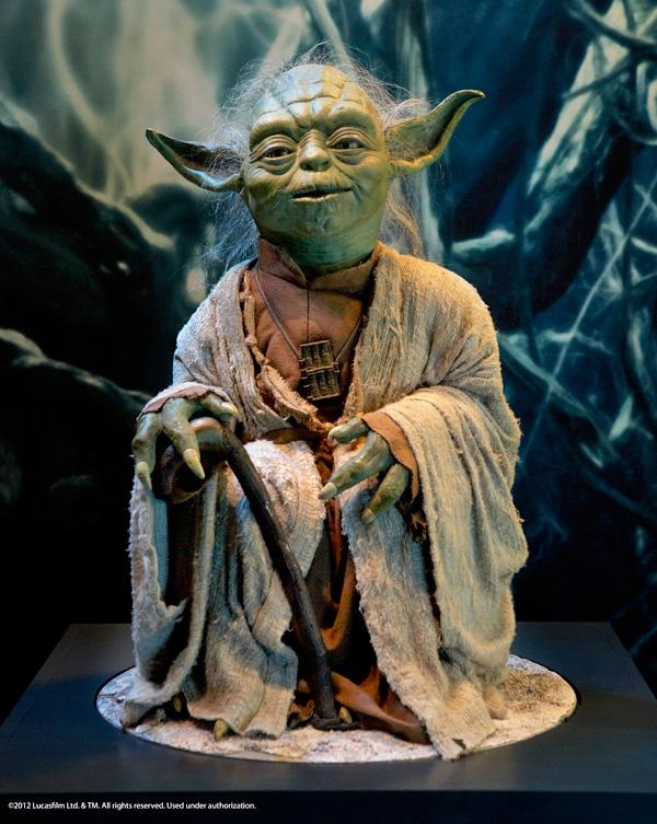 Un modèle de Yoda de l'exposition Star Wars : Identités.