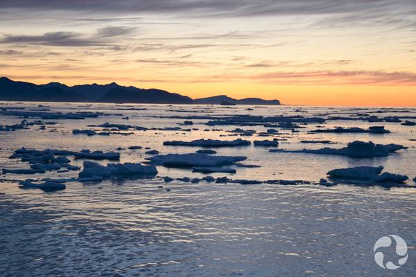 Coucher de soleil sur la côte nord du Labrador.