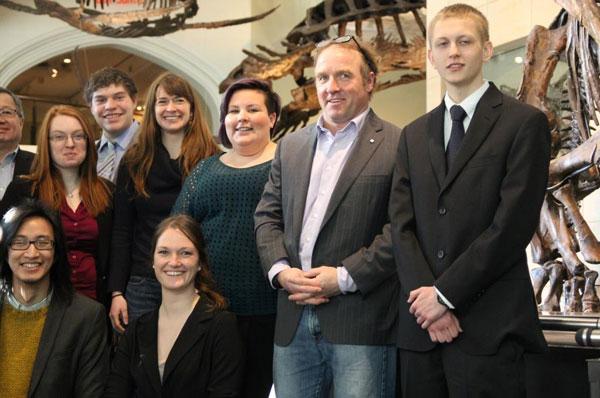Photo de groupe dans la Galerie des fossiles.