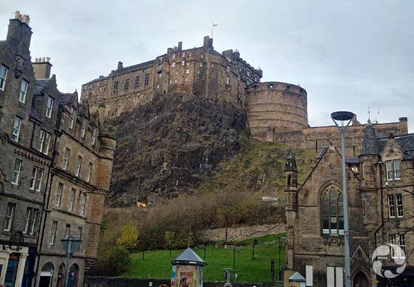 Vue du château d'Édimbourg.
